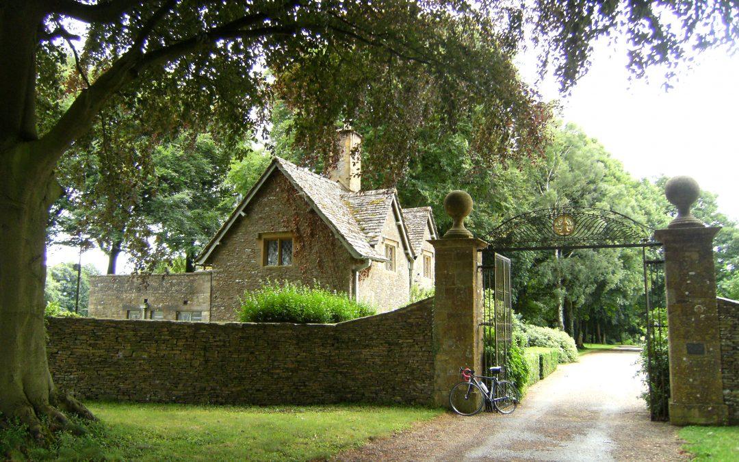 Cotswolds & Stonehenge     £1,425            England      8 DAYS