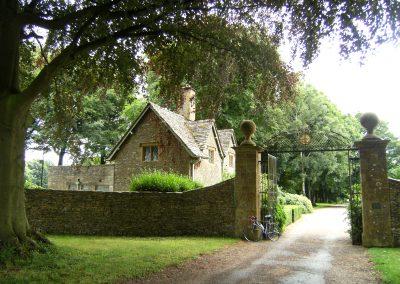 Cotswolds & Stonehenge     £1,395            England      8 DAYS