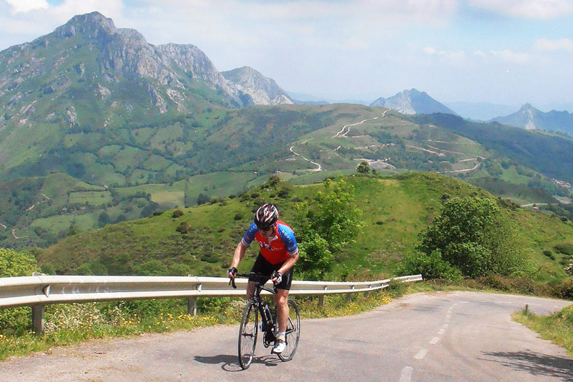 The Best 5 Cycling Climbs in Spain - The Angliru